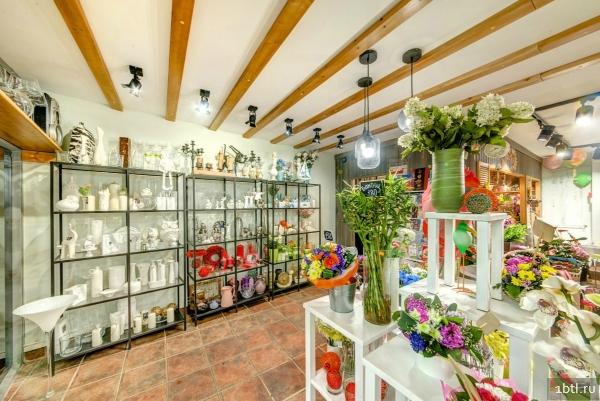 В цветочном магазине